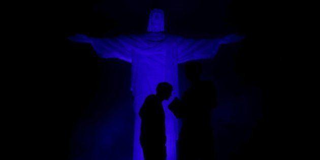 El mundo se tiñe de azul por el