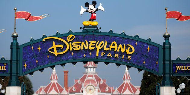 La entrada de Disneyland