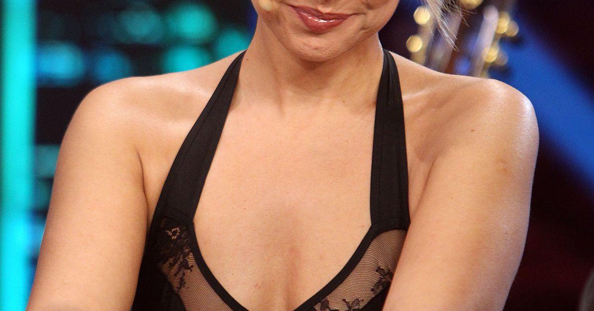 Chenoa Desnuda Al Sol Para Inaugurar Septiembre El Huffington Post