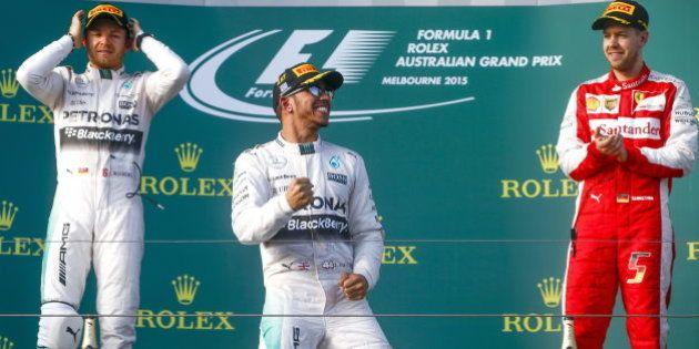 Hamilton gana en Australia y Carlos Sainz acaba