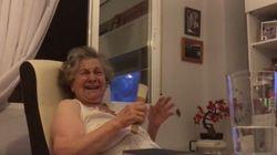 Una tronchante abuela sevillana, famosa por comentar 'Juego de