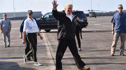 Trump recupera una de sus costumbres más feas después de visitar a las víctimas del huracán