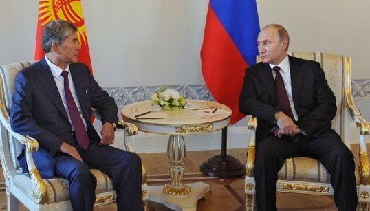 Putin reaparece después de 10 días y muchos rumores sobre su