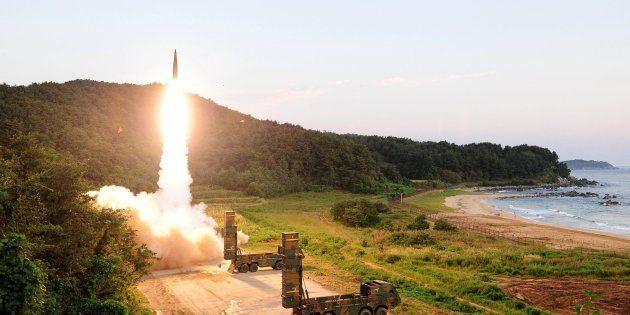EEUU y Corea del Sur desplegarán un portaaviones nuclear y varios bombarderos en la península
