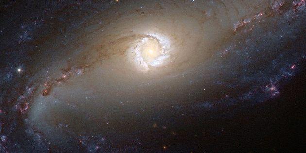Una imagen de la galaxia NGC 1097 sacada por el telescopio