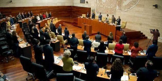 ¿Cuánto van a cambiar los diputados autonómicos que elegiremos el domingo