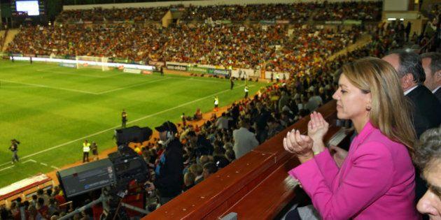 Cospedal, partidaria de desalojar a quienes piten al himno en la final de la Copa del