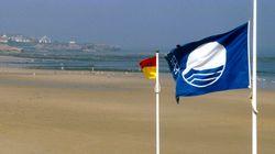 La bandera azul ondeará en 577 playas españolas este verano, una cifra
