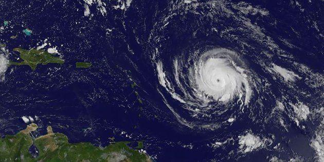 Irma se convierte en huracán de categoría 5 en su ruta hacia el