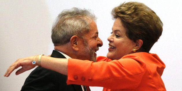 Dilma Rousseff y Luis Inácio Lula da Silva, durante un acto sobre nuevas tecnologías en Brasilia, en...