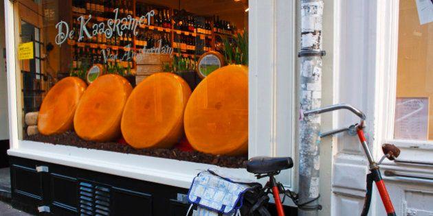Comer en Ámsterdam: una ruta gastronómica sobre dos