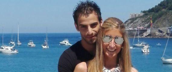 Mouaid, un refugiado con novia española atrapado como un mendigo en