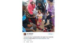 La foto que da una lección: una niña reparte caramelos a inmigrantes en