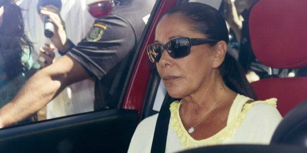 Isabel Pantoja, hospitalizada el día que debía regresar a la