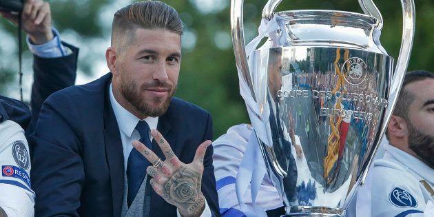 Sergio Ramos celebra sus 12 años en el Madrid y en Twitter le recuerdan este