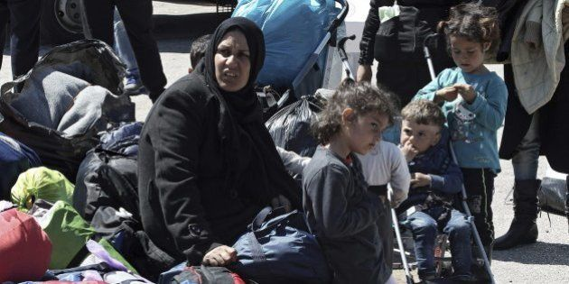 Les echan a partir del lunes, pero los refugiados seguirán intentándolo;