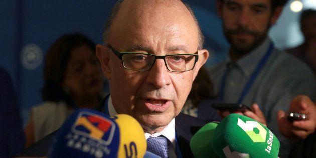 El ministro de Hacienda, Cristóbal Montoro, este viernes en
