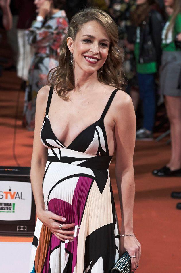 Silvia Abascal muestra su embarazo en el estreno de 'La Catedral del Mar' en