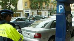 Indignación después de que el Ayuntamiento avise a las tantas de que ya se puede aparcar en
