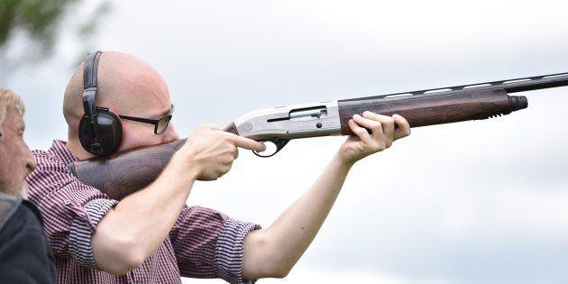 Un sheriff de Florida pide a la gente que no dispare al huracán