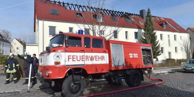 Arde en Alemania un albergue de refugiados en la diana de los