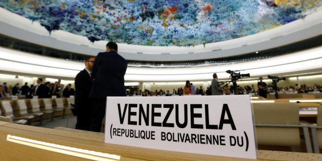 El cartel del lugar asignado a Venezuela en la 36ª Sesión del Consejo de Derechos Humanos, iniciada este...