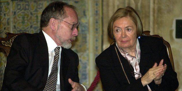 José Ramón Recalde y María Teresa Castells, durante la entrega del Premio a la Convivencia de la Fundación...