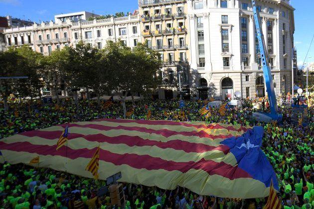 El independentismo desborda el centro de Barcelona al grito de