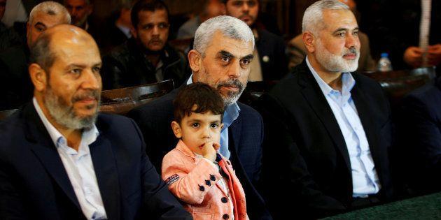 Los principales mandos de Hamás, fotografiados en mayo en Gaza al presentar su nueva hoja de ruta