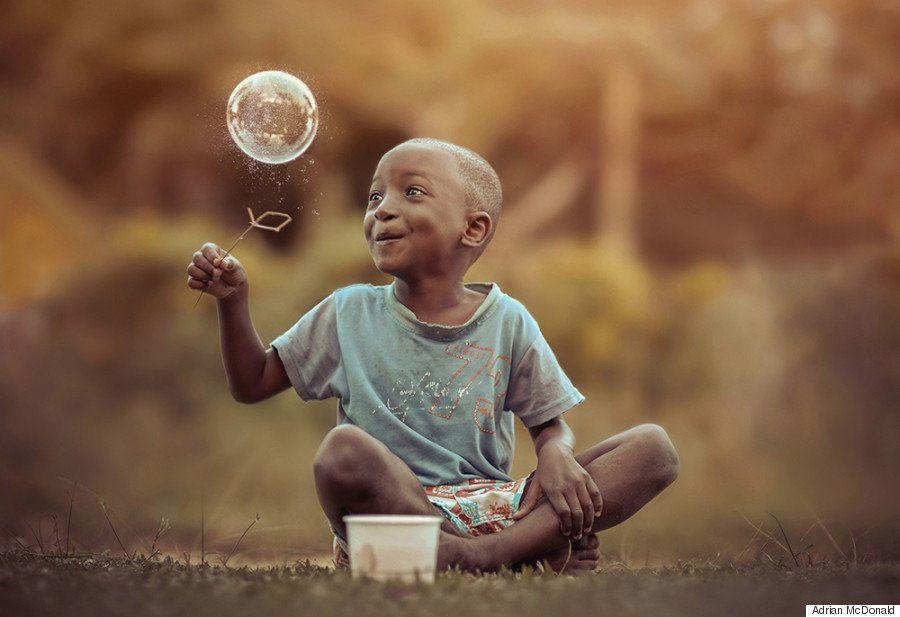 El fotógrafo jamaicano que retrata lo que los niños pueden enseñarnos sobre la vida