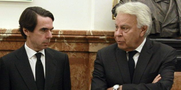 Venezuela une a los expresidentes Felipe González y José María