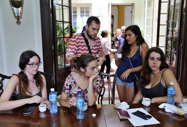 Miles de turistas españoles aún atrapados por el huracán
