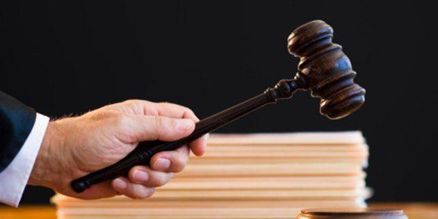 Siete meses de cárcel para un padre que pegó a su hija de 15 años por llegar tarde una