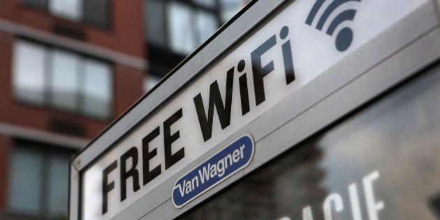 Un punto de acceso gratuito de wifi en Manhattan, Nueva York (EEUU), en una imagen de
