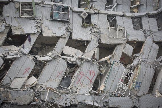 Un devastador terremoto sume en el caos a la ciudad de Tainan, en