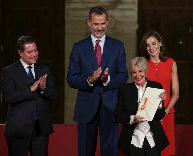 Los reyes Felipe y Letizia, junto a Emiliano García Page, entregan el Premios Nacionales de Teatro de...