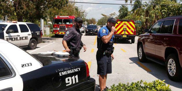 La policía y servicios de emergencia se han desplazado hasta el lugar de los hechos, en