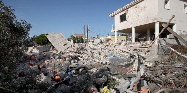 La casa de la célula en Alcanar (Tarragona) donde guardaban el explosivo, tras estallar