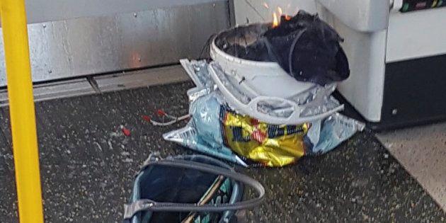 El cubo donde tuvo origen supuestamente el fuego, en una imagen difundida por