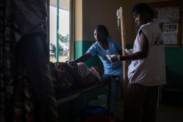 Un paciente, atendido en urgencias en el hospital que gestiona MSF en