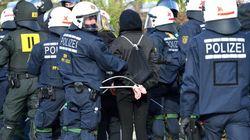 Detenidos 400 manifestantes antifascistas durante el congreso de AfD en