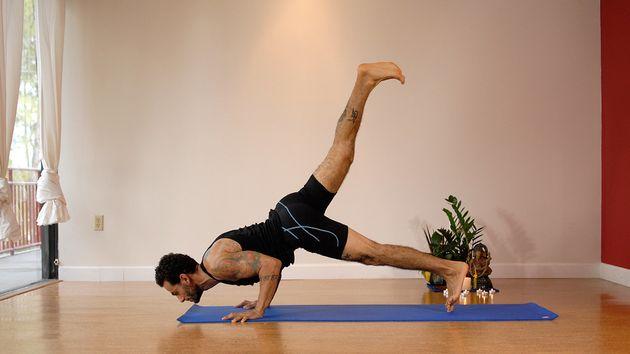 Hombre, el yoga también puede ser bueno para