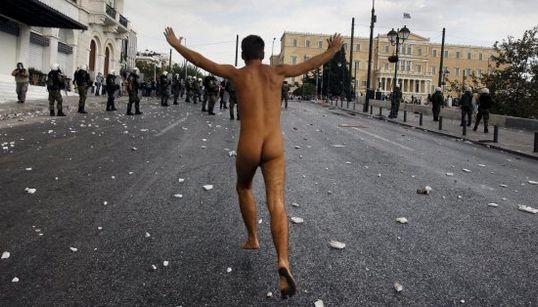 17 manifestantes que plantaron cara a la policía