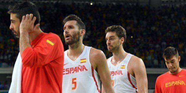 España vuelve a perder y se complica el pase a