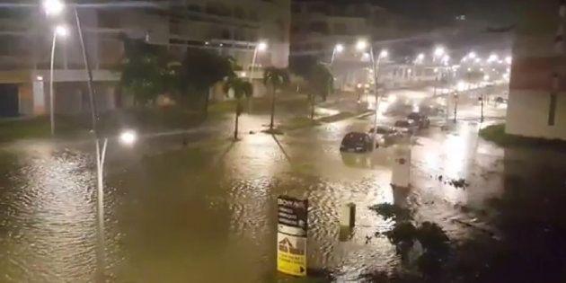Vídeo del Twitter de Yves Thole que muestra una calle inundada de Pointe-a-Pitre tras el paso del huracán...