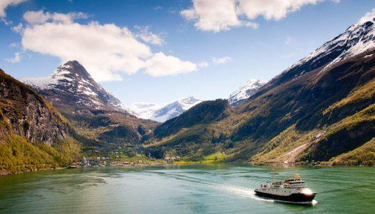 Montañas, agua y paisajes impresionantes: los fiordos más bonitos del mundo