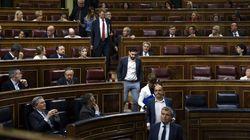 Los diputados de ERC, PDeCAT y En Comú abandonan el Pleno del
