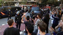 La Policía Nacional acude a la sede de la CUP e interviene propaganda en la