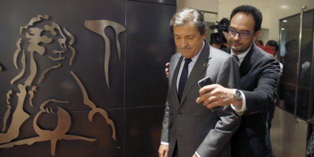 El PSOE intenta controlar la creciente rebelión de