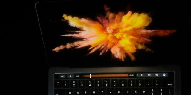 El nuevo MacBook Pro tendrá lector de huellas y barra táctil en el